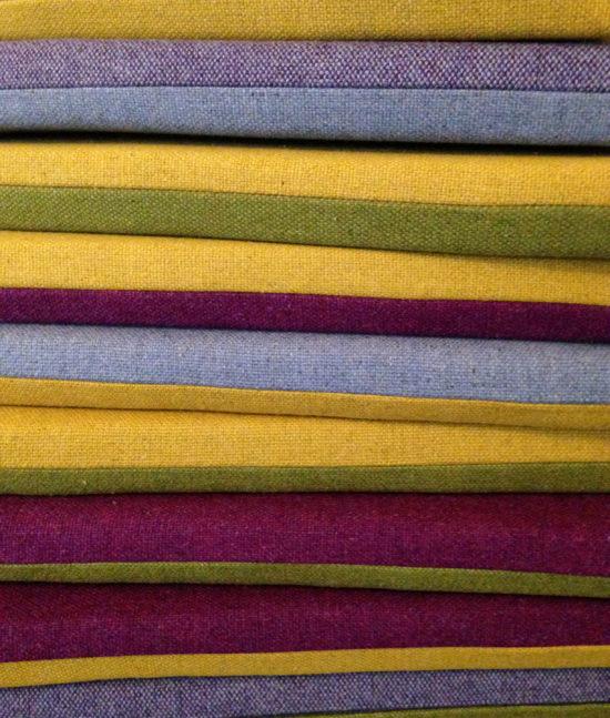 Sitz Kissen für Workshop und Präsentations Tribüne. Chair pillows for workshop and presentation tribune