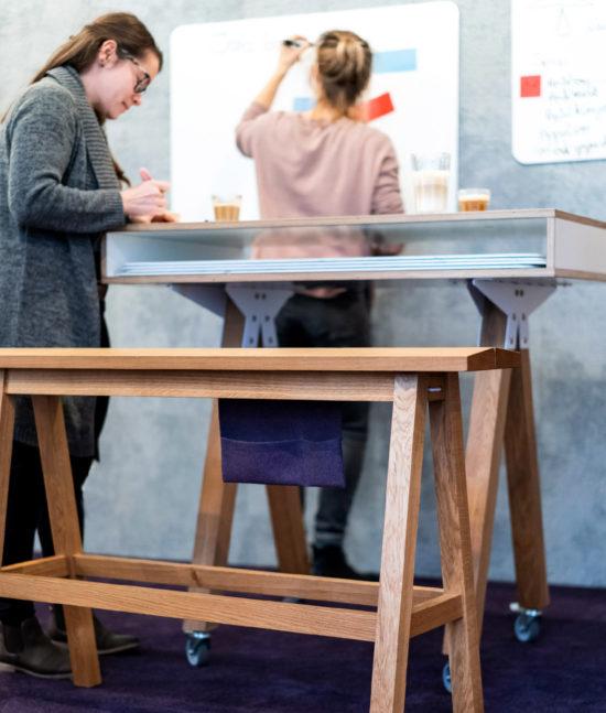 Stehbank Bock, Workspace, launchlabs, Stehhocker, Design Thinking Möbel, Design Thinking Furniture,